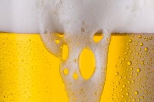 überlaufendes bier